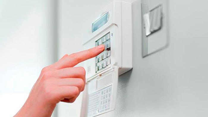 Причины для установки системы безопасности для дома